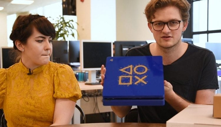 Playstation 4 'Days of Play' limited edition console unboxing | Tech News