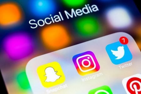 Instagram tests questions in Stories | Social News