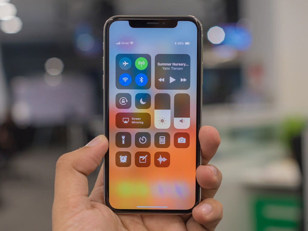 Apple iPhone X. Image: tech2/Rehan Hooda