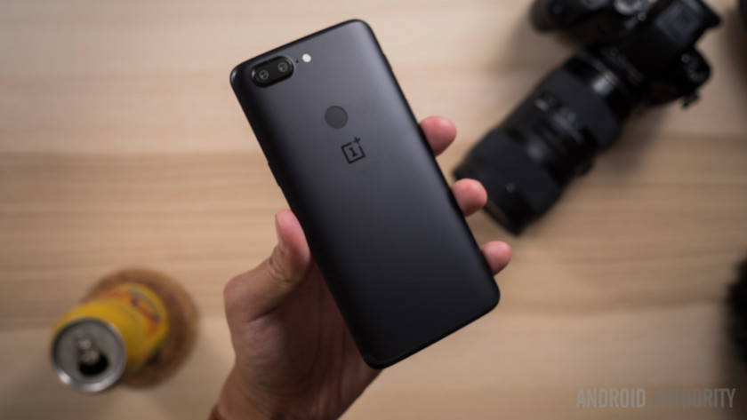 OnePlus 5 and 5T get a stable OxygenOS update, but no Project Treble yet   Apps & Software 1