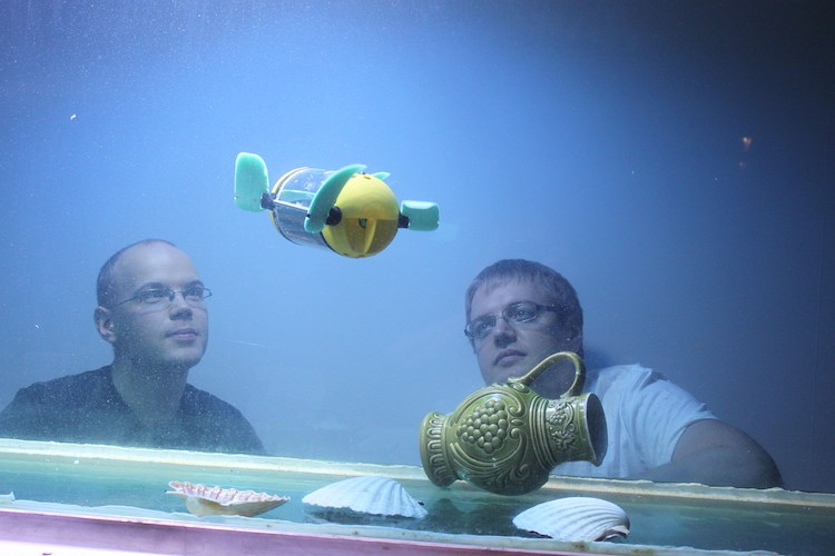 arrows underwater drone for archaeology copy