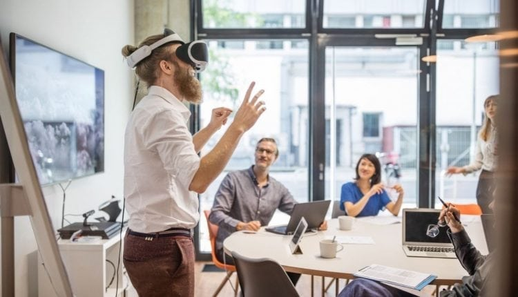 Virtual Reality Is Already Changing How We Work and Communicate | Virtual Tech