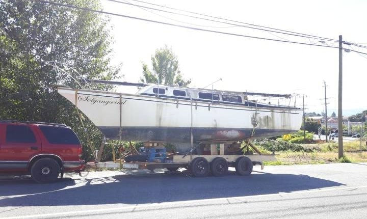 Brakeless boat trailer made of pallets, duct tape nets B.C. driver $2K in fines | Social News
