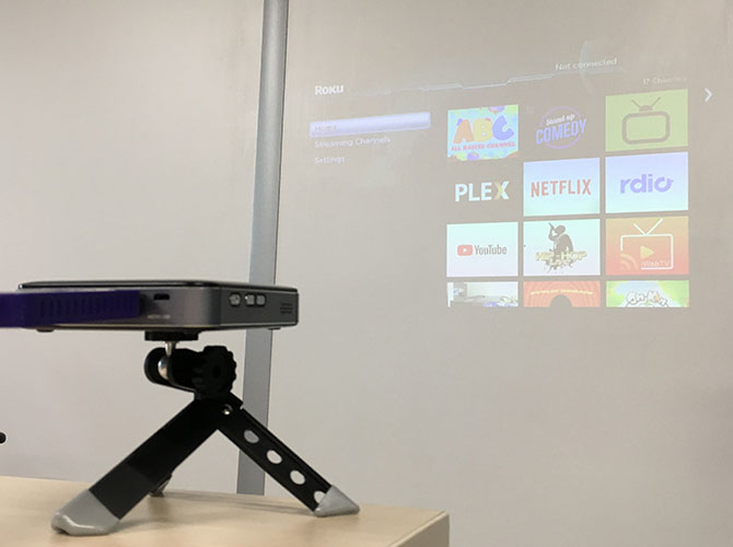 Apeman M4 Mini DLP Projector: Stylish, Compact and Easy to Use m4 twilight