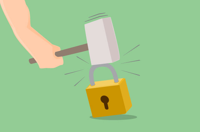 A hammer tries to brute force open a padlock.