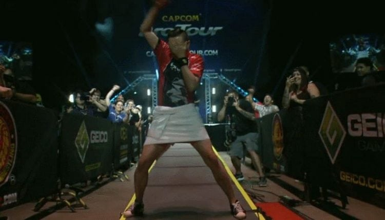 Fighting Game Players Mimic Wrestling Stars | Gaming