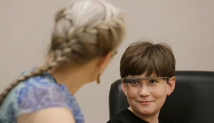 Google Glass app uses emojis to help children with autism read faces | AI