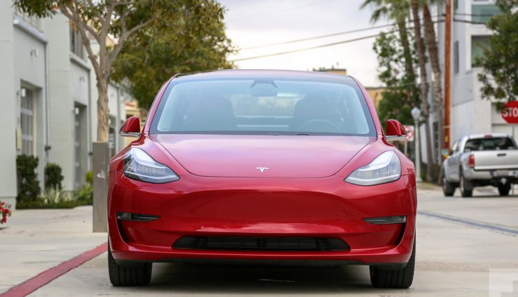 Tesla gives its self-driving cars a performance boost with custom A.I. chips | Computing