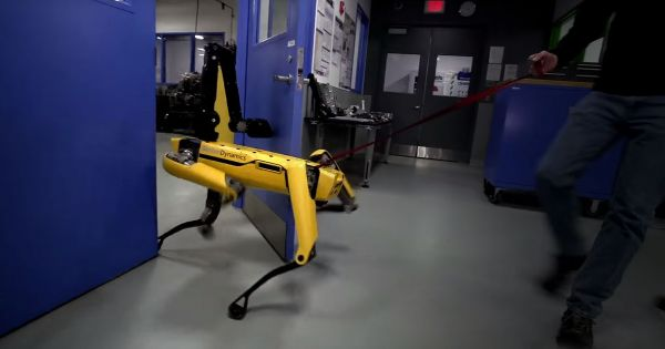 Boston Dynamics's SpotMini is really, really determined to open doors | Robotics