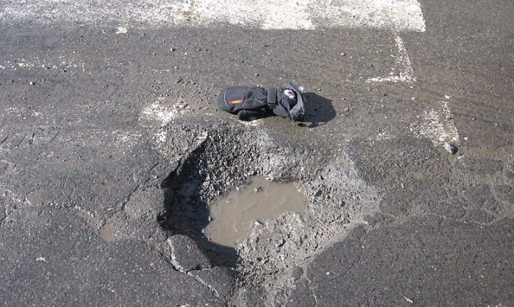 AI could help detecting potholes and cracks in road surface | Robotics