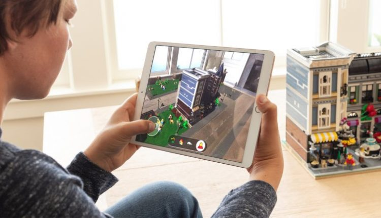 Apple Demos the future of video games | Smart