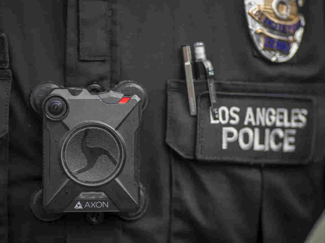 Body Camera Maker Weighs Adding Facial Recognition Technology | Artificial intelligence 1