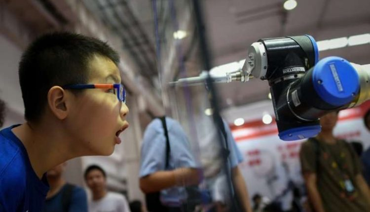 China shows off automated doctors, teachers and combat stars | Robotics