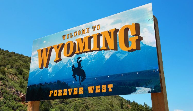 Coinbase Resumes Service in Wyoming After License Renewal | Cryptocurrency