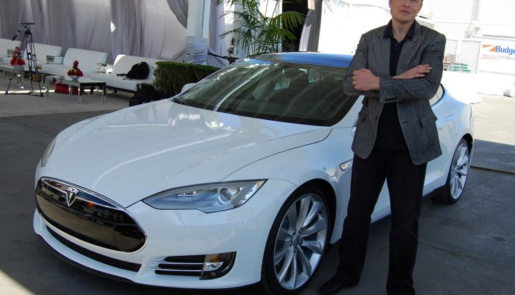 Elon Musk tweets about taking Tesla private, shares spike | Tech Industry