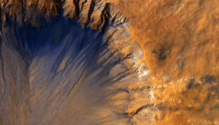 Scientists Need to Solve These Two Mysteries to Find Life on Mars | Virtual Reality