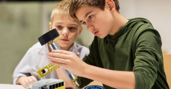 The best robot kits for kids