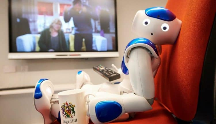 Robbie the Robot becomes soap fan after watching