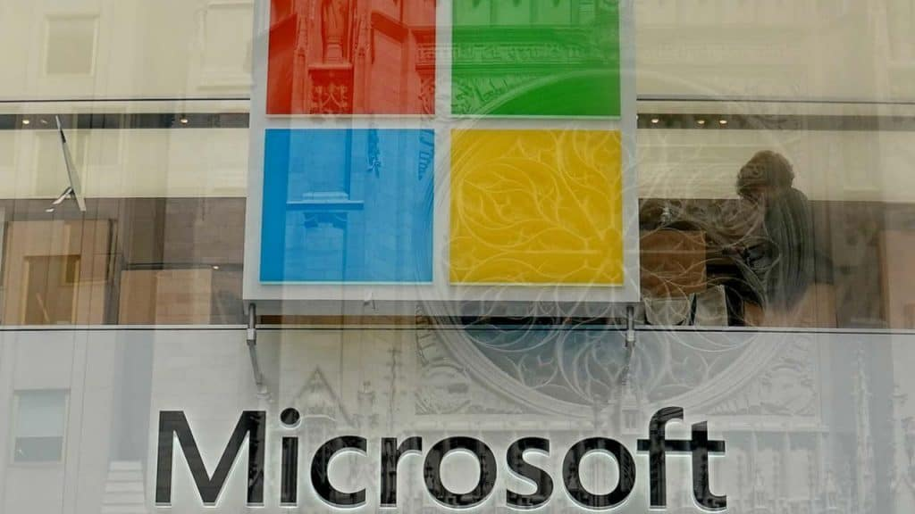 Microsoft employees demand it to drop $480 million contract with the US Army