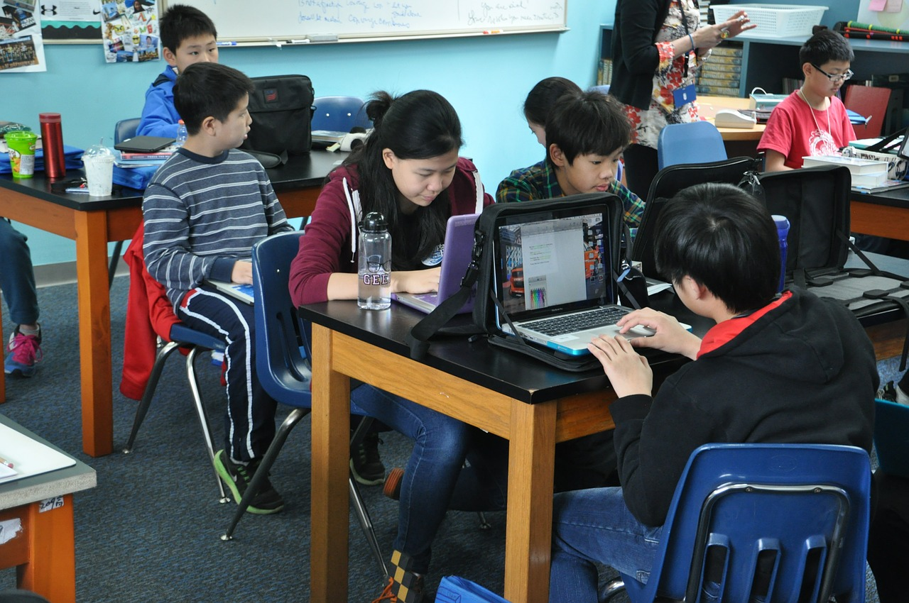 90% of Chinese language minors are on-line, official survey finds 1
