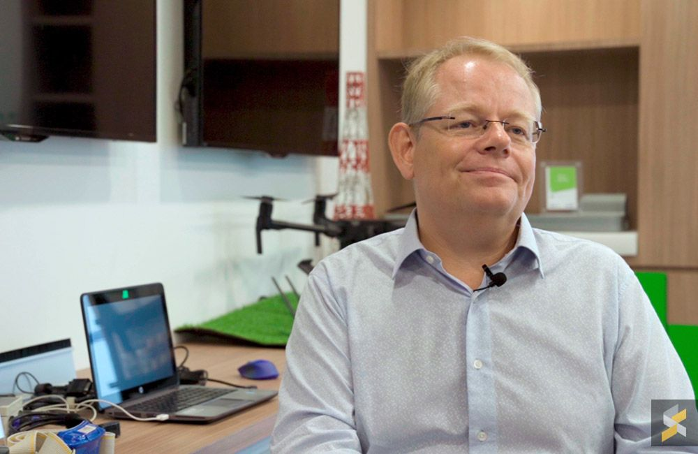 According to Maxis CTO, Morten Bangsgaard, being the first operator to conduct live 5G trials marks a significant step for Maxis in the 5G journey. ― Picture via SoyaCincau
