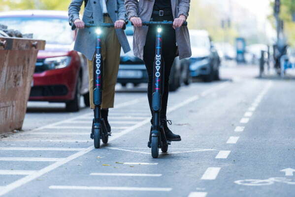 Movo grabs $22.5M to get more cities in LatAm scooting