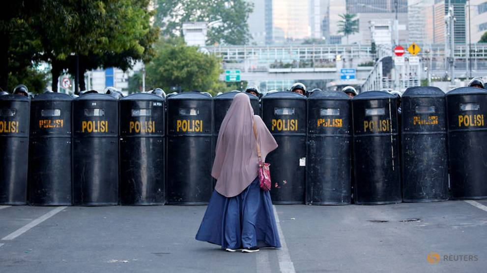 Indonesia lifts social media curbs targeting hoaxes during recent unrest 1