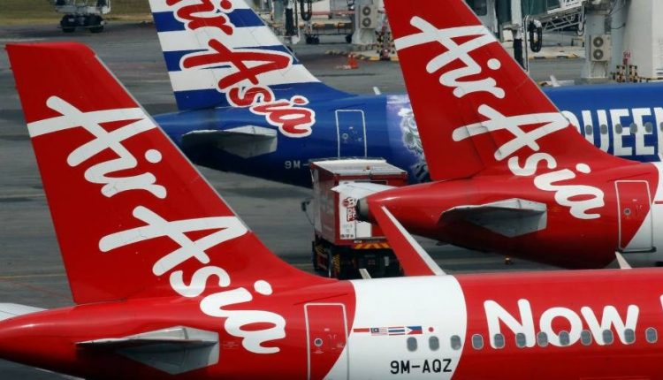 Expedia, Booking.com warn AirAsia of turbulence in online travel plan