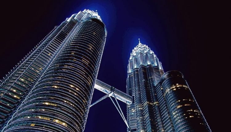 Malaysia wants to attract more blockchain tech professionals