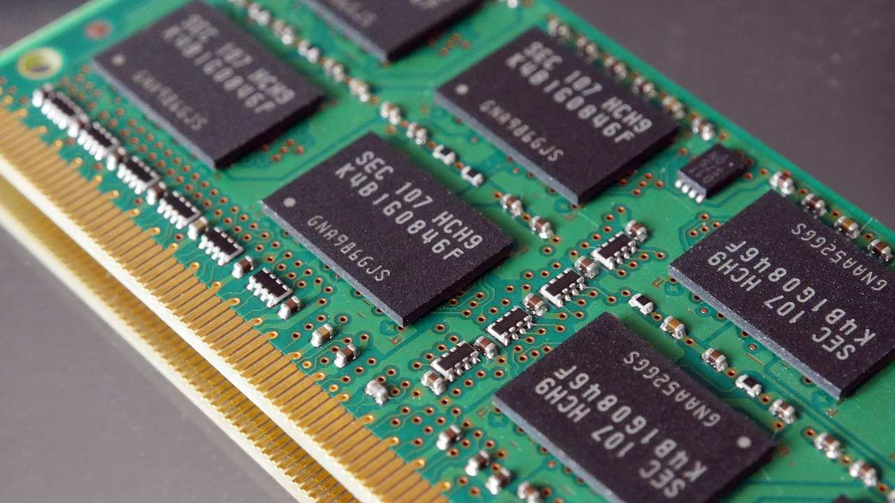 Researchers invent new type of computer memory with ultra-low power consumption