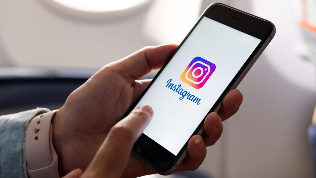 3 simple ways to upload photos to Instagram from your PC