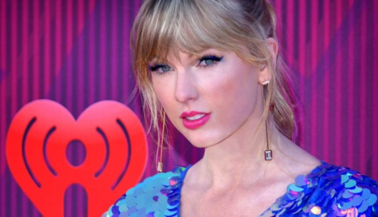 Taylor Swift Reportedly Threatened Microsoft Over Racist Chatbot