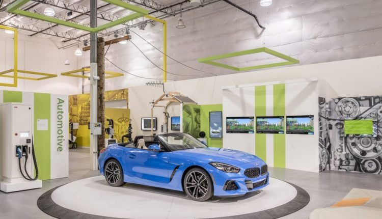 New Industry Experience Center brings digital transformation to life