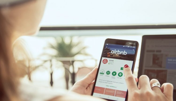 Airbinb to review and verify all listings on the platform by end of 2020