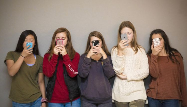 That Instagram habit might not be making your teen depressed after all
