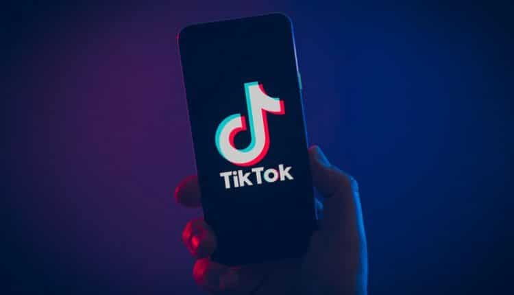 US Army bans TikTok app from government phones