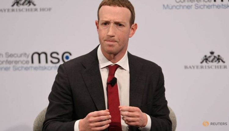 Facebook CEO says backs regulation of harmful online content
