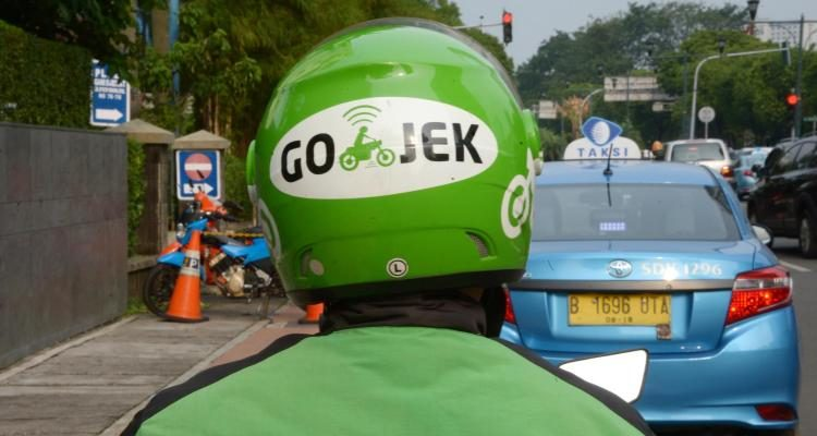 Gojek reportedly buys 4.3% stake in Indonesian taxi company Blue Bird