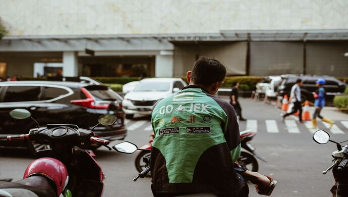Gojek raises US$1.2B to support competition against Grab
