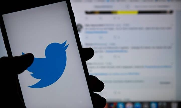 How to Create and Pin Twitter Lists to Your Timeline on iPhone & Android
