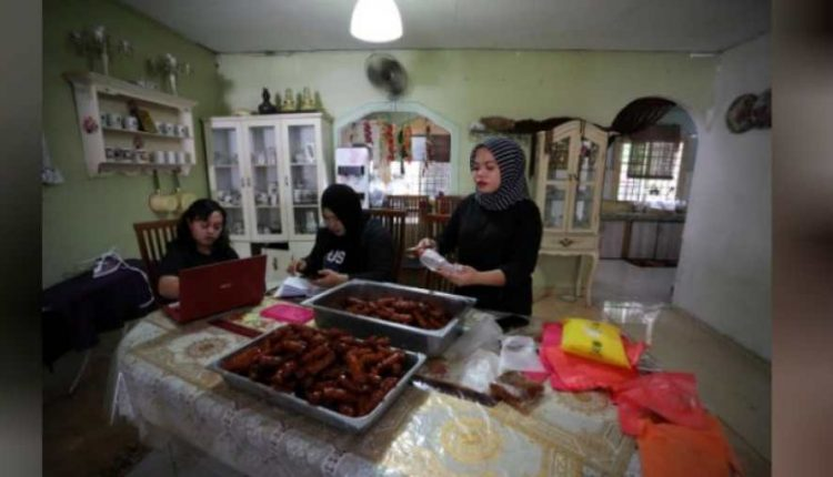 Malaysia's traditional Ramzan markets go digital amid pandemic