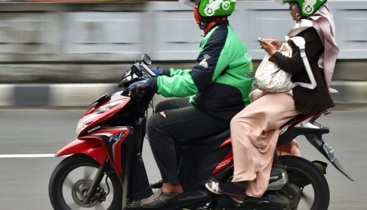 Indonesia's GoJek gets Facebook, PayPal support to grow e-payments biz