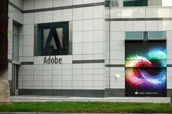 Adobe tests an AI recommendation tool for headlines and images
