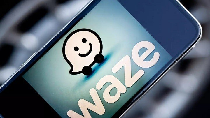 Waze Adds Gas Station Contactless Payment Option