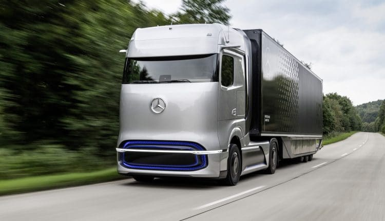 Mercedes-Benz previews fuel-cell semi with GenH2 Truck