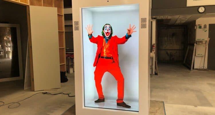 "Hologram ""portals"" let you beam yourself into video calls"