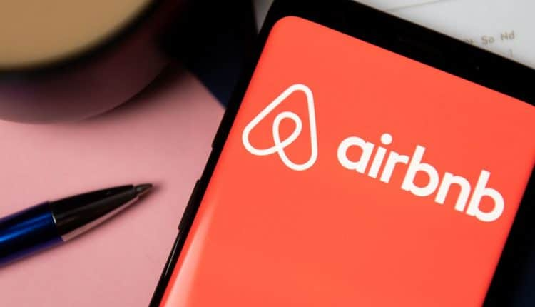 Airbnb Chinese data policies reportedly cost it an executive
