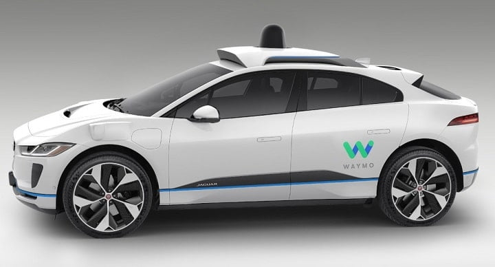 U.S regulators seek public input on safety standards for self-driving cars