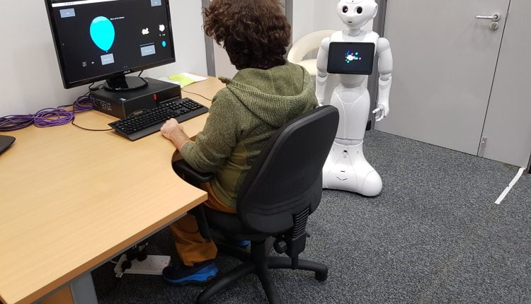 Robots encourage risk-taking behaviour in humans