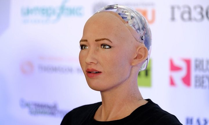 "Humanoid Robot ""Sophia"" will available for consumers to buy"